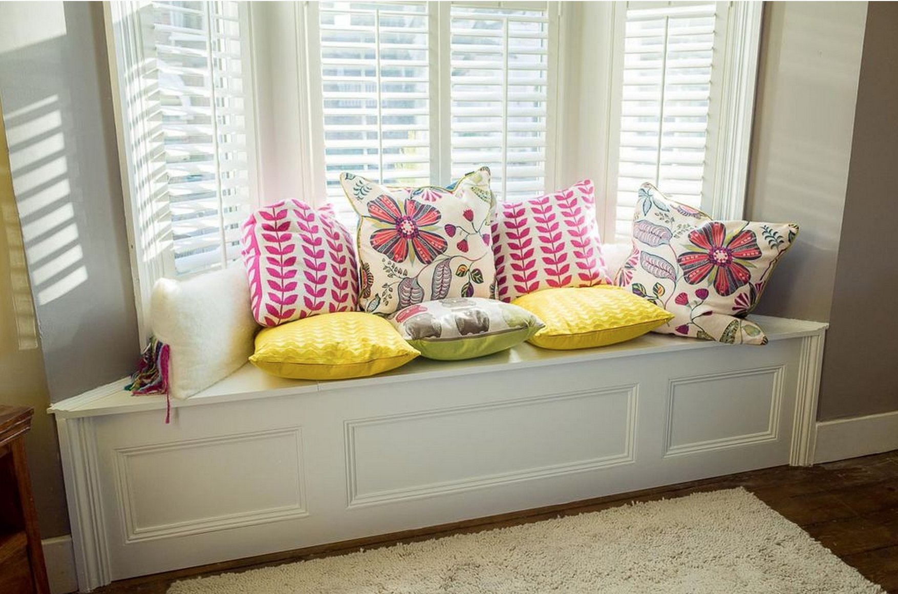 Bay Window Bench Entrancing Diy Bay Window Bench  Diy Projectsmolly Decorating Design