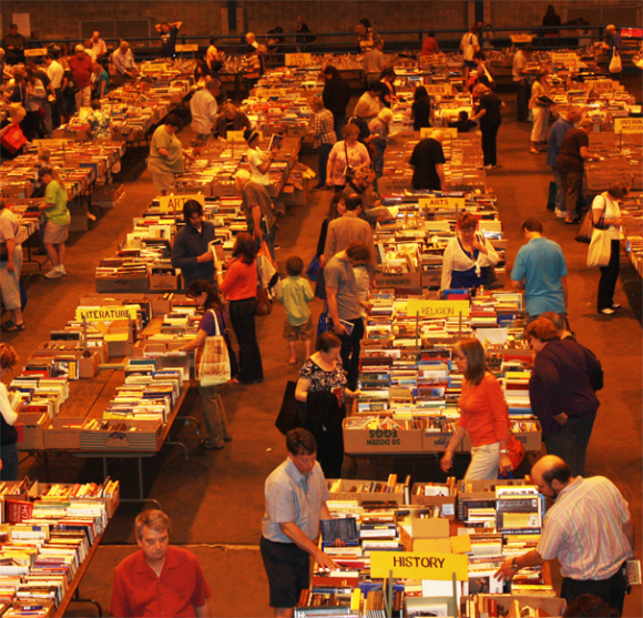 Book-Sale-in-full-swing