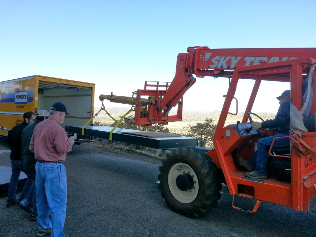 Loading the large MRS optical bench for transport to PSU.