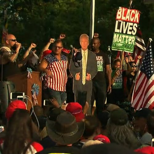 """Pro-Trump Rally Speaker Invites """"Black Lives Matter"""" Protesters On-Stage, Result Was Unexpected"""