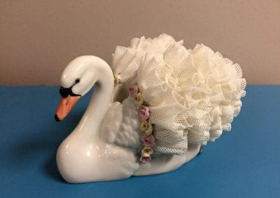 (Irish Dresden) Ireland (Swan with Lace Like Wings)
