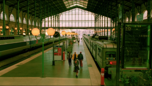 Wide shot of train station, the whole image is in focus.