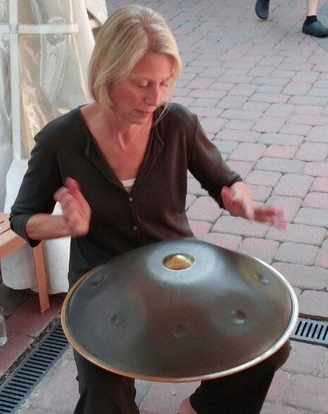 Shelba Purtle Playing the Handpans (Hang Instrument)