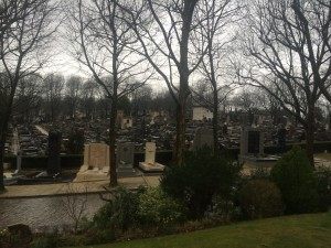 An overview of the sprawling Père Lachaise cemetery