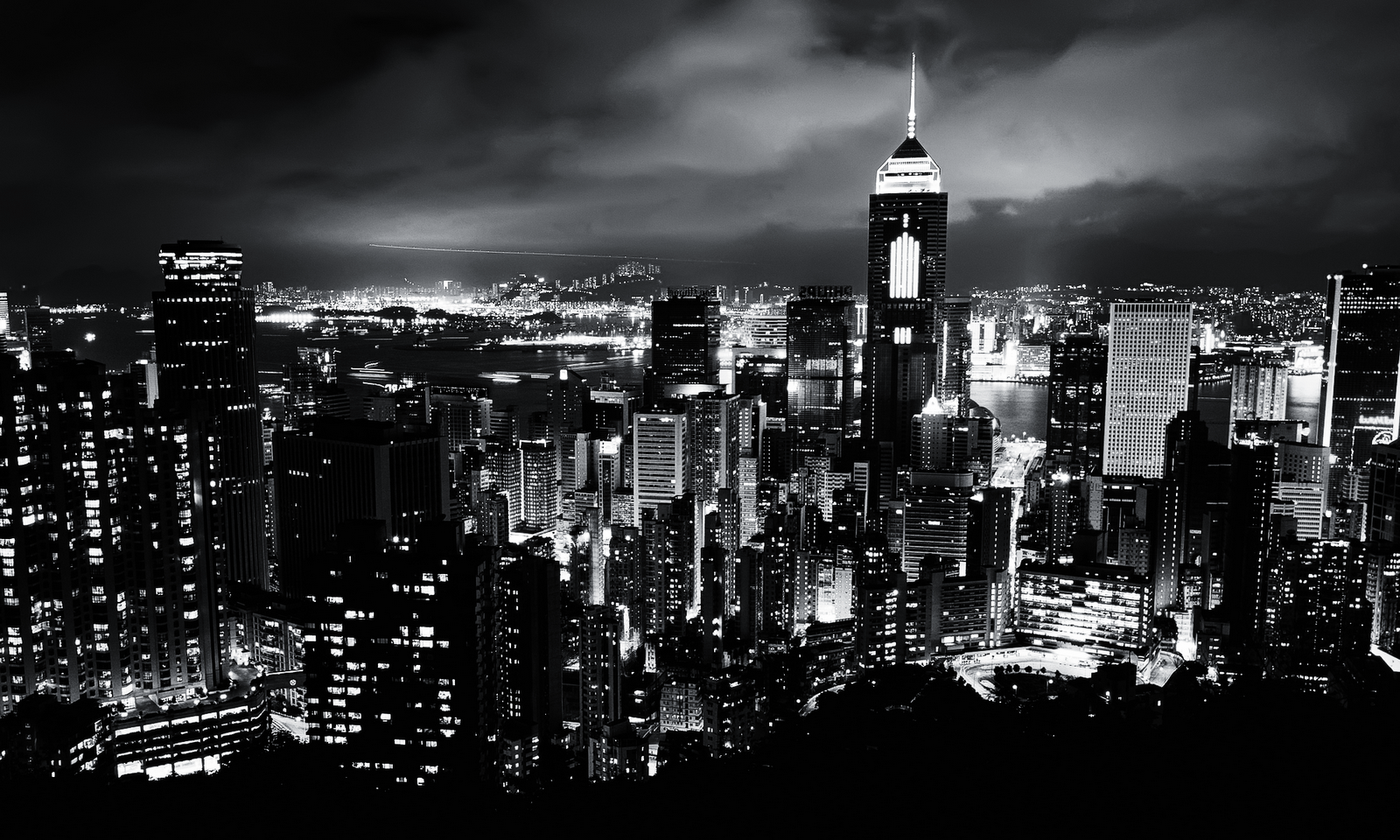 Black-and-White-City-a...