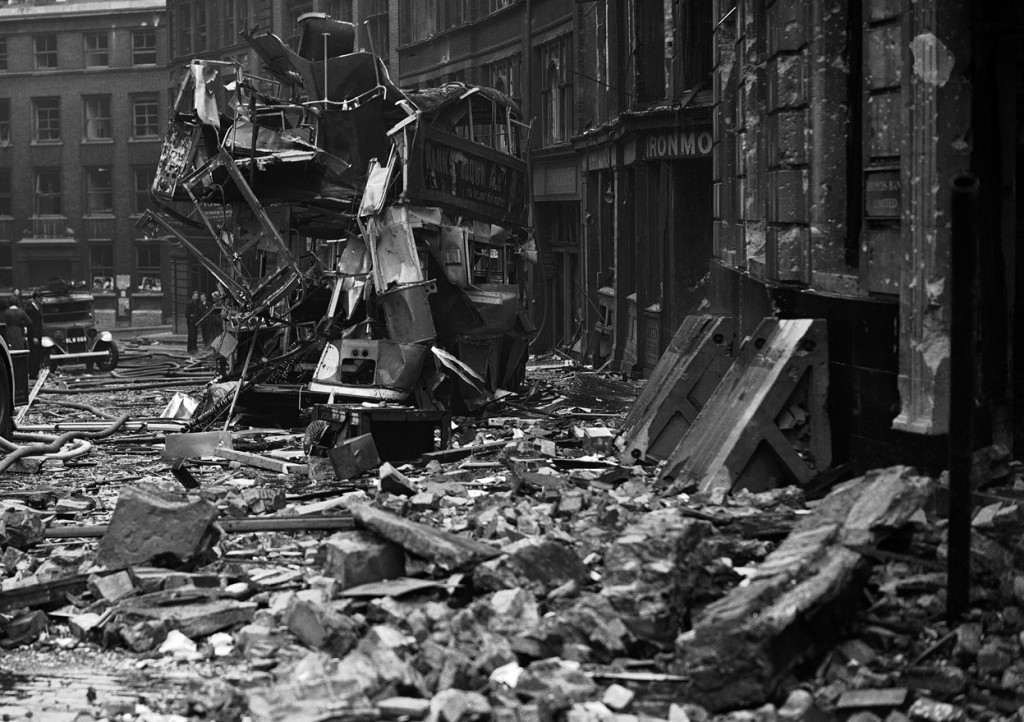 17-Air-raid-damage-during-the-Blitz-London-Sep-10-1940-01
