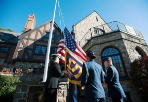 sigma-pi-flagpole-dedication-5