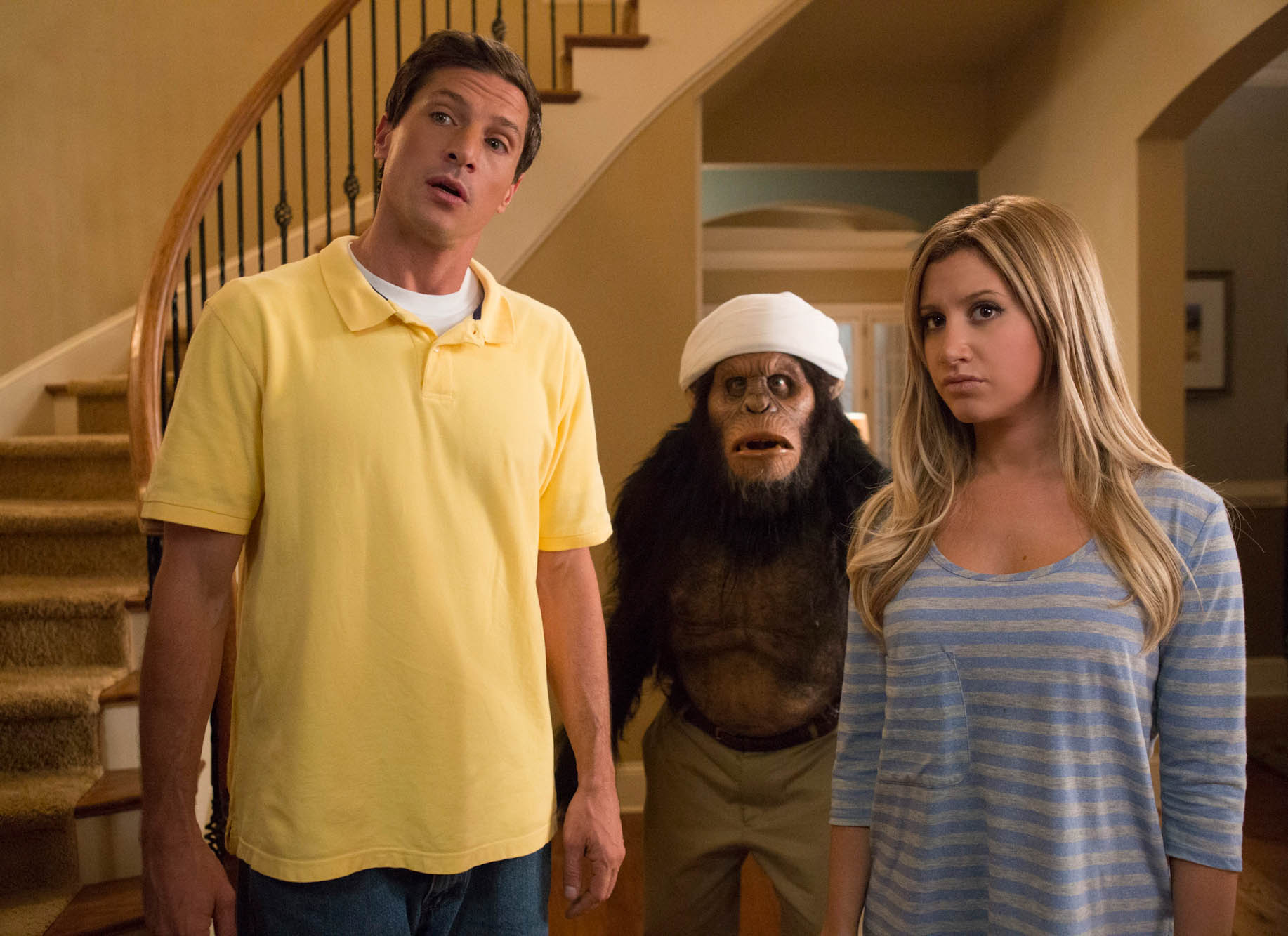 Scary Movie 5 Review Frighteningly Bad Warner S Words