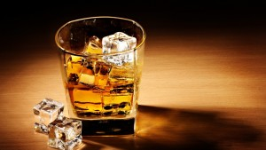whiskey_drink_alcohol_ice_cubes_glass_table_shadow_75127_1920x1080