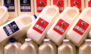 why-skim-low-reduced-fat-milk-are-actually-worse-for-you-than-whole-milk.w654