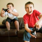 kids-playing-a-video-game
