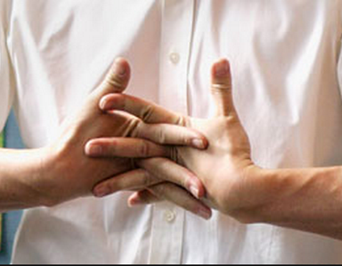 pros and cons of cracking knuckles