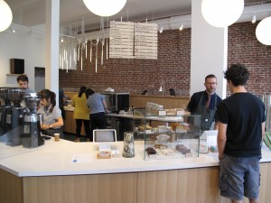 sprudge-bluebottleechopark-mackenziechamplin-blue_bottle_echopark_front_counter_1_mackenzie_champlin