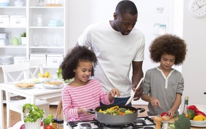 family_cooking_3051495b
