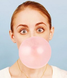 woman-eating-chewing-gum