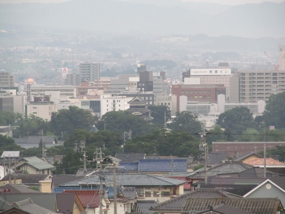 Matsumoto_Castle_from_Apartment