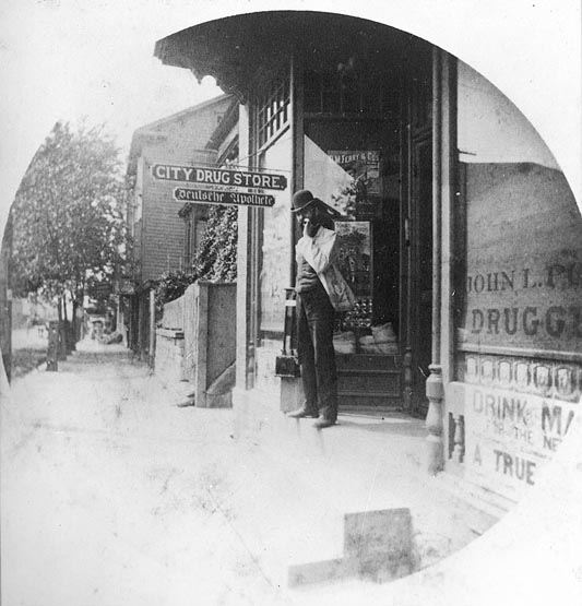 First Photo Porr's Drug Store, 1888c