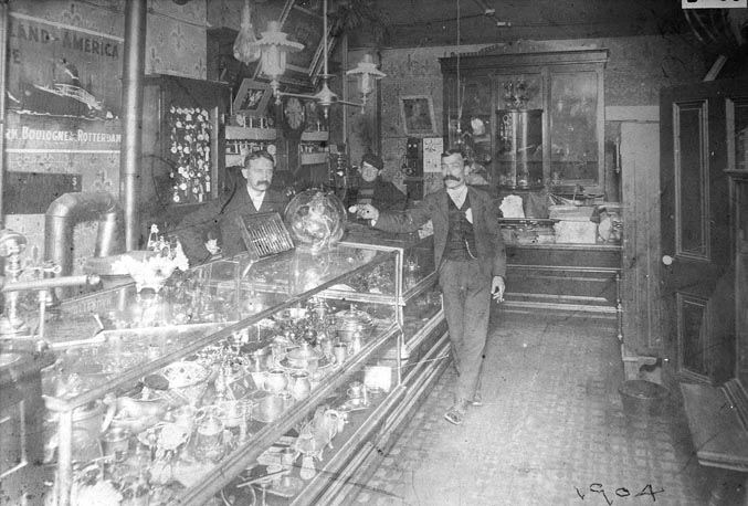 Frank Bailey's Jewelry Store, 7 S. Front Street, 1904