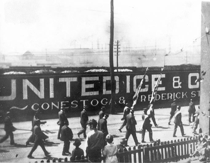 United Ice and Coal, Front and Chestnut Streets, 1907